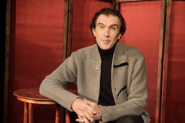 Владимир Вадимович Ябчаник - певец, преподаватель мюзиклового вокала в школе Лектория